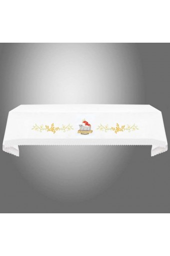 Altar cloth with lace...